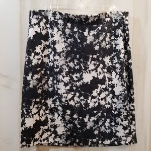 Vince Camuto Black Graphic Print Pencil Skirt 2X